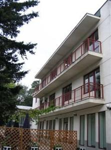 Conditii Hotel Floreta de Aur Bucureşti Restaurant, Parking, Medical Assistance Available, Mini Bar, Direct dial phone Adresa Hotel Floreta de Aur Bucureşti Av. Popa Marin 2 Alte Hoteluri in Bucuresti […]
