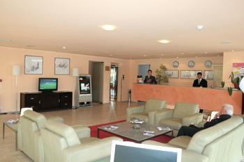 Descriere si Preturi Stil Hotel Bucureşti Best Western Stil Hotel este un hotel citadin modern şi confortabil, uşor accesibil şi situat convenabil în Bucureşti, aproape de Aeroportul Internaţional Henri Coandă […]