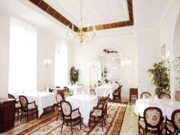 Conditii Hotel Lebăda Bucureşti Business Center, Room Service, Fitness Room/Gym, Parking, Swimming pool, Concierge, Elevator / Lift, Air Conditioned, Banquet Facilities, Conference Room(s), Currency Exchange, Sauna, Mini Bar, In Room […]
