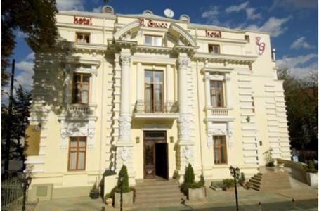 Conditii Hotel El Greco Hotel Business Center, Room Service, High-speed Internet, Parking, Pet Friendly, Airport shuttle, Massage / Beauty Centre, Elevator / Lift, 24 Hour Reception, Dry Cleaning, Babysitting / […]