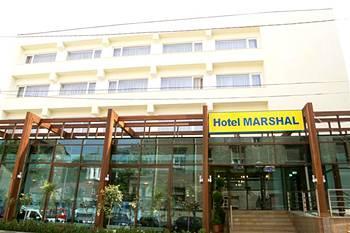 Descriere si Preturi Hotel Marshal Bucureşti Hotelul Marchal este un hotel fermecător care combină eleganţa cu rafinamentul în inima oraşului. Situat chiar în spatele Teatrului naţional şi vizavi de Înalta […]