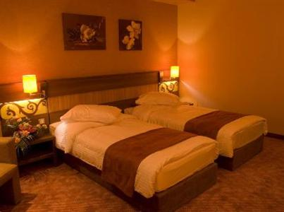 Conditii Hotel Rin Grand Bucureşti Business Center, Room Service, High-speed Internet, Fitness Room/Gym, Restaurant, Parking, Swimming pool, Airport shuttle, Disabled Access, Concierge, Massage / Beauty Centre, Elevator / Lift, 24 […]