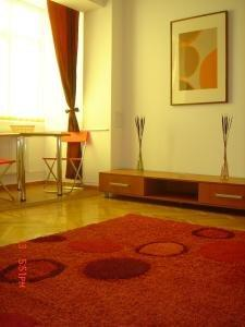 Conditii Rainbow Accomodation Bucureşti Business Center, Room Service, High-speed Internet, Pet Friendly, Airport shuttle, Concierge, Tour Desk, Elevator / Lift, Dry Cleaning, Air Conditioned, Non-Smoking Rooms, Mini Bar, Refrigerator, Cable […]