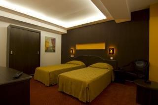 Conditii Hotel Răzvan Bucureşti Business Center, Room Service, High-speed Internet, Pet Friendly, Airport shuttle, Tour Desk, Elevator / Lift, 24 Hour Reception, Air Conditioned, Non-Smoking Rooms, Banquet Facilities, Conference Room(s), […]