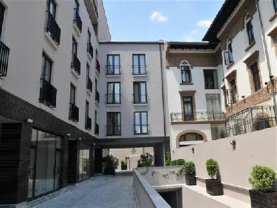 Conditii Hemingway Residence Bucureşti High-speed Internet, Parking, Elevator / Lift, Air Conditioned, Non-Smoking Rooms, Multilingual Staff, Mini Bar, Cable / Satellite TV, Coffee / Tea Maker, Hair Dryer, TV, Photocopier, […]