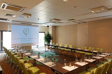 Conditii Hotel Capital Plaza Bucureşti Business Center, Room Service, High-speed Internet, Fitness Room/Gym, Parking, Airport shuttle, Disabled Access, Concierge, Tour Desk, Elevator / Lift, 24 Hour Reception, Dry Cleaning, Air...