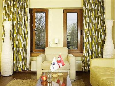 Conditii Apartamente Romvision Bucureşti High-speed Internet, Airport shuttle, Concierge, Elevator / Lift, Dry Cleaning, Air Conditioned, Mini Bar, Cable / Satellite TV, In Room Movies, Bath / Hot Tub, Wake-up […]