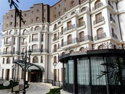 Conditii Hotel Epoque – Bucureşti Room Service, High-speed Internet, Fitness Room/Gym, Restaurant, Parking, Swimming pool, Airport shuttle, Disabled Access, Concierge, Valet Parking, Massage / Beauty Centre, Bar / Lounge, Elevator […]