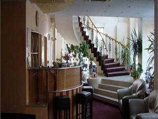 Conditii Hotel Casa Locato – Bucureşti Business Center, Room Service, High-speed Internet, Parking, Pet Friendly, Airport shuttle, Elevator / Lift, Dry Cleaning, Air Conditioned, Non-Smoking Rooms, Banquet Facilities, Safe-Deposit Box, […]