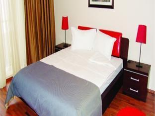 Conditii Phoenicia Apartments Bucureşti Business Center, Room Service, Restaurant, Parking, Elevator / Lift, 24 Hour Reception, Air Conditioned, Non-Smoking Rooms, Cable / Satellite TV, Kitchenette, Microwave, TV, Photocopier, Facsimile, Salon,...