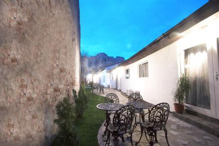 Conditii Vila SS Residence Parlament Bucureşti Business Center, Room Service, Parking, Disabled Access, Massage / Beauty Centre, Bar / Lounge, Dry Cleaning, Air Conditioned, Cable / Satellite TV, Kitchenette, Coffee […]