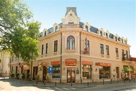 Conditii Hotel Reginetta I Bucureşti Room Service, Restaurant, Pet Friendly, Bar / Lounge, 24 Hour Reception, Air Conditioned, Mini Bar, Internet Connection (wireless), Cots, Luggage Storage, Designated Smoking Area Adresa...