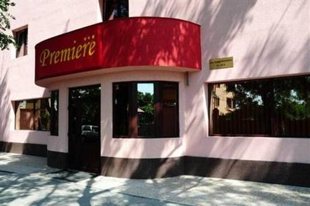 Conditii Hotel Premiere Room Service, Restaurant, Parking, Elevator / Lift, 24 Hour Reception, Air Conditioned, Banquet Facilities, Safe-Deposit Box, Garden, Photocopier, Facsimile, Internet Connection (wireless), Packed Lunches, Breakfast in the […]