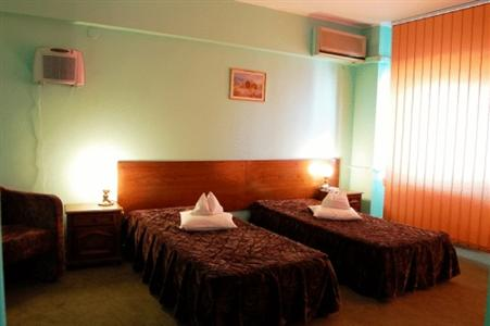 Conditii Erbasu Hotel Business Center, Room Service, High-speed Internet, Fitness Room/Gym, Parking, Swimming pool, Disabled Access, Elevator / Lift, Babysitting / Child Services, Air Conditioned, Tennis Courts, Banquet Facilities, Conference […]